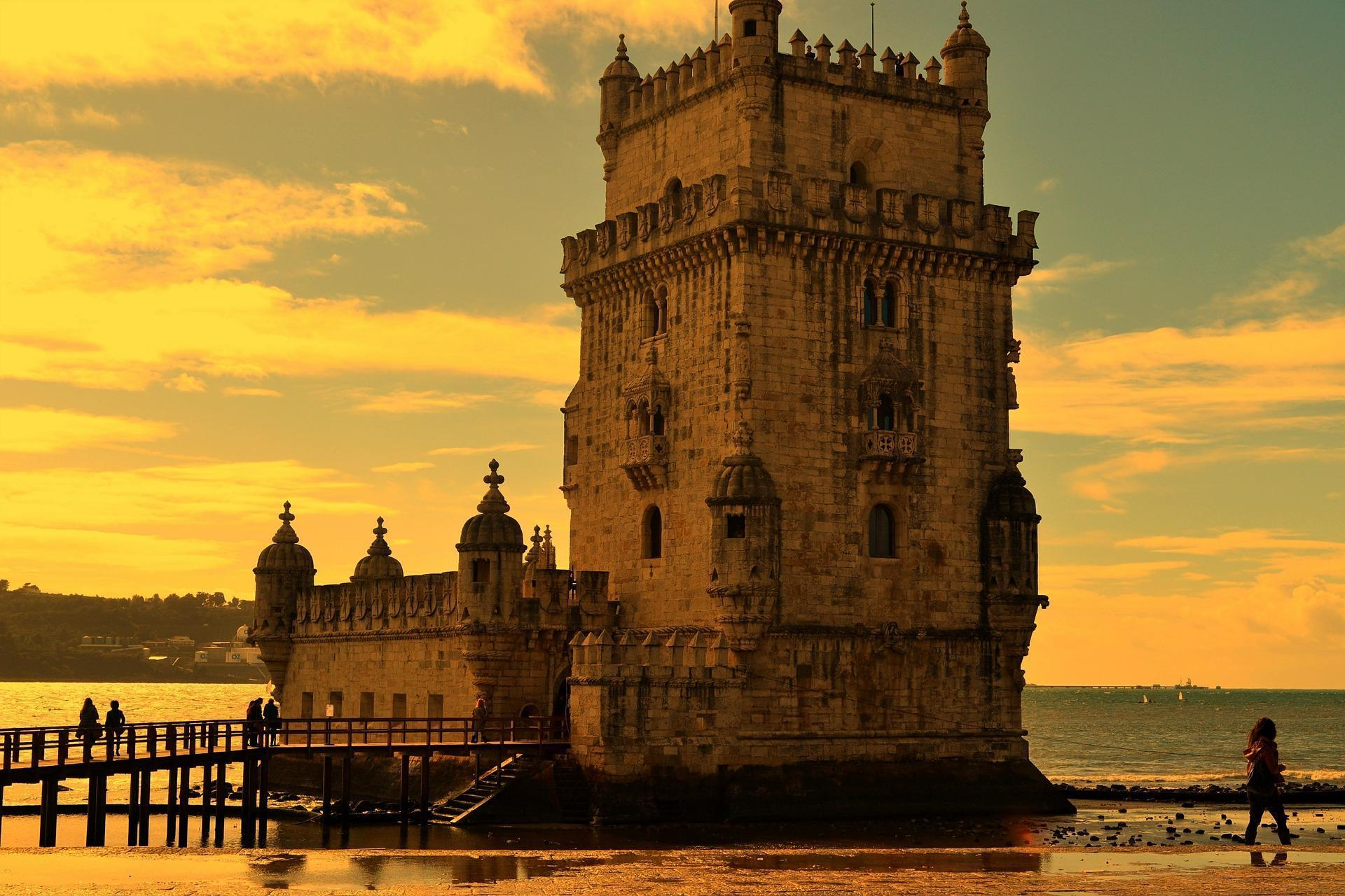 Lisbon Cultural Tour by Magical Spain